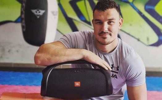 Obrázok ku článku Kickboxer Tomáš Možný: Svoj tréning si bez kvalitnej hudby ani neviem predstaviť.