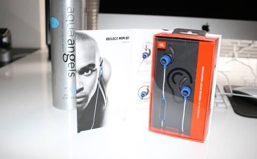 Obrázok ku článku Recenze JBL Reflect Mini BT: bezdrátová sportovní sluchátka pro budoucí majitele iPhonu 7