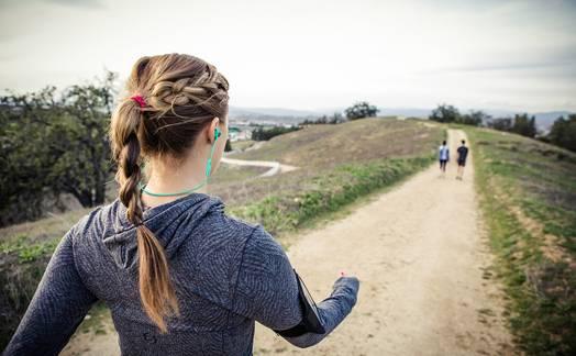 Obrázok ku článku TEST: Sluchátka JBL Reflect mini BT změnila můj vztah k hudbě při běhu