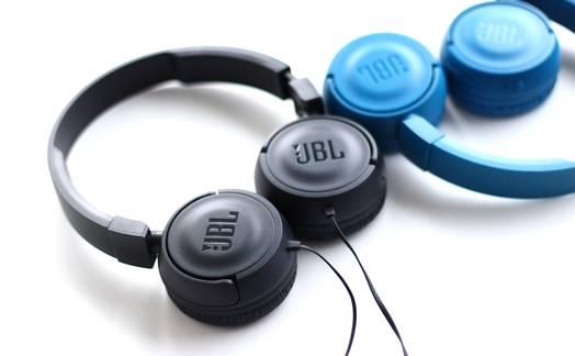 Obrázok ku článku TEST JBL T450 a T450BT: cenovo dostupné hity