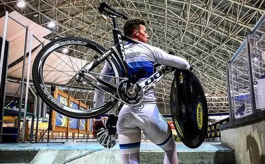 Obrázok ku článku Tomáš Bábek a náš rozhovor o tom jak používá technologie olympionik úřadující mistr Evropy v dráhové cyklistice